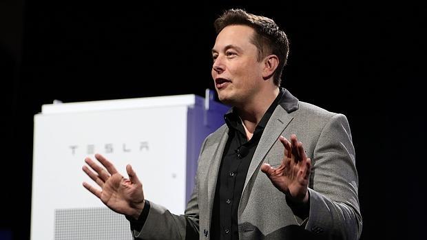 Elon-Musk-tesla--620x349